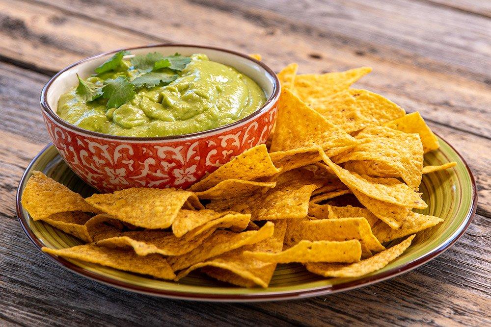 Salsa de Aguacate (Avocado Salsa) with tortilla chips