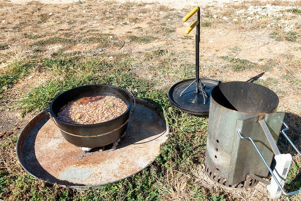 Cast iron dutch oven equipment